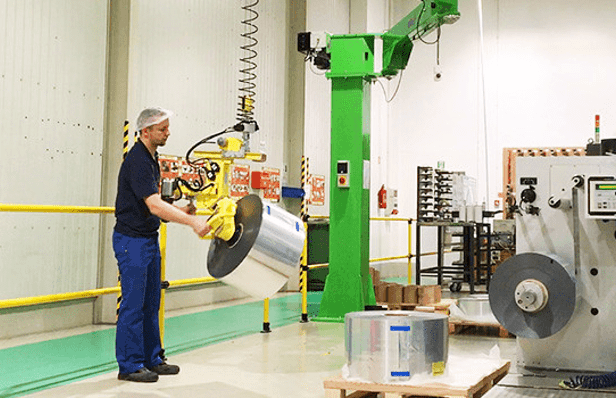 INDEVA industrial manipulators for handling products in an ergonomic and safety way